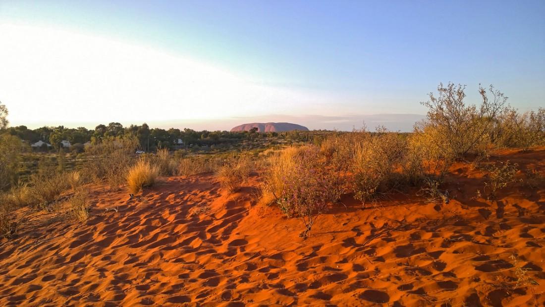 Uluru00017